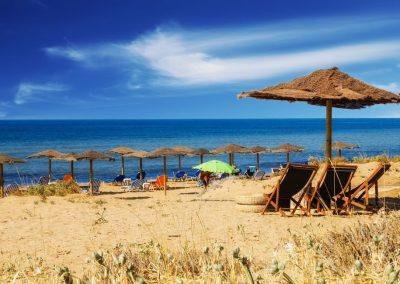 SO-Villas-A-Guide-to-Beach-Bars